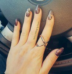 unhas em gel com nail art