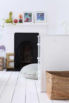 Living With Kids: Courtney Adamo ⋆ Design Mom White Painted Floors, White Washed Floors, White Walls, Painted Wood, Farrow Ball, Courtney Adamo, White Floorboards, Diy Bett, Kid Spaces