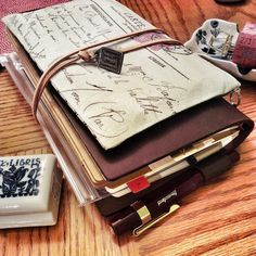 Large Midori Traveler's Notebook  I would loooove to have one! update: On November 2014, I got one!!!