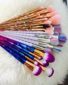 Eye Makeup Art, Makeup Storage, Cute Makeup, Makeup Brush Set, Makeup Organization, Eyeshadow Makeup, Makeup Cosmetics, Unicorn Makeup, Makeup Rooms