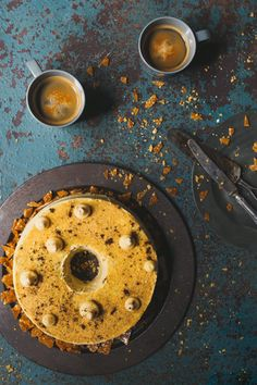 This coffee chiffon cake with pecan nut brittle is a wonderful cake for tea time. It pairs well with a cup of coffee and is a large cake that serves Coffee Icing, Frangipane Tart, Pecan Nuts, Desserts Menu, Chiffon Cake, Serving Plates, Coffee Recipes, Sweet Bread, Let Them Eat Cake