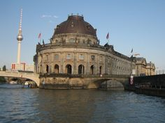 -museums-in-berlin-can-be-found-on-museum-island-berlin-germany+1152_12913342299-tpfil02aw-16139.jpg (1024×768)
