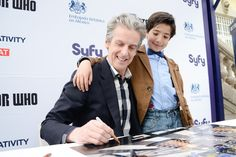 Peter Capaldi with a young fan in a Meet & Greet during his promotional tour in Mexico City