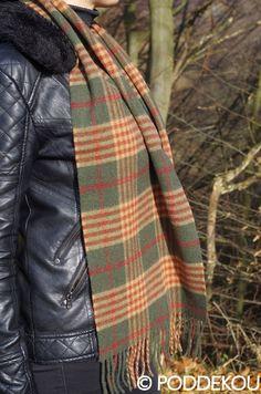 TARTANOVÝ VLNENÝ ŠÁL – ZELENÝ | PODDEKOU Wool Scarf, Plaid Scarf, Tartan, Scarves, Scarfs, Plaid