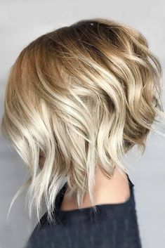 Check out our collection of stacked bob haircut ideas at LoveHairS . - Check out our collection of stacked bob haircut ideas at LoveHairS … – Check out our collectio - Bob Haircut For Round Face, Round Face Haircuts, Haircut Short, Curly Hair Cuts, Short Hair Cuts, Curly Hair Styles, Curly Bob, Short Straight Hair, Wavy Hair