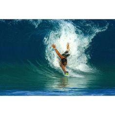 Bodysurfing Point Panics on The Bula Enoka Slyde Handboard http://www.slydehandboards.com/collections/hawaiian-bula-handboard-for-bodysurfing/products/the-hawaiian-bula-enoka-handboard-with-go-pro-attachment
