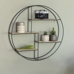 Support mural vintage industriel de Lifa Living - rond Source by Wooden Storage Shelves, Wooden Shelves, Shelving, Wall Shelf Unit, Wall Shelves, Office Deco, Shabby Chic Shelves, Home Room Design, Wall Racks