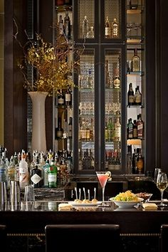 what a gorgeous bar!