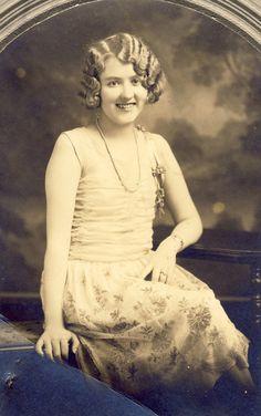 Young Woman FLAPPER In STYLISH ROARING 20s Dress and Hair Photo Holdrege Nebraska Circa 1920s fabul flapper, holdreg, roar 20s, dresses, 20s dress, nebraska, flappers, circa 1920s, hair photo