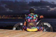 ReStock de #CyclingKits @chelaclo de Come Cocos y plátanos en todas las tallas desde la S a la XL