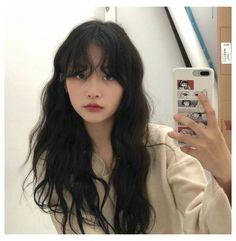 Hairstyles With Bangs, Pretty Hairstyles, Korean Hairstyle Bangs, Korean Wavy Hair, Ulzzang Hairstyle, Korean Curls, Korean Haircut Long, Ulzzang Short Hair, Tomboy Hairstyles