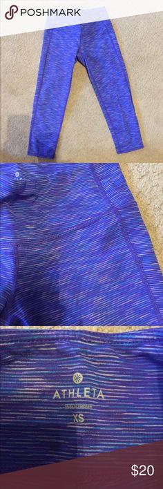 ATHLETA energy chat Capri Mid rise Athleta chaturanga Capri. Barely worn. Blue/purple micro stripe design Athleta Pants Capris