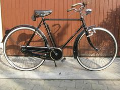 There is no word that can be used to describe this bike. It is my dream bike but I don't have the money and I need to be more educated about what i'm. Vintage Bicycles, Cycling, Bike, Humor, Ebay, Veil, Bicycle, Biking, Bicycling