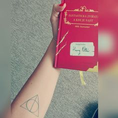 Tattoo harry potter and The fantastic beasts and where to find them #harrypotter #deathlyhallows #tattoo