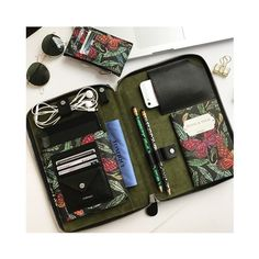 ❣️ Organize your life SOON available  #botanical #print #pattern #fonfiquemoments #organizer #leathergoods #fashion #style #fonfique #slg #accessories #fashion #stationery #ipadcase #iphone #case #shoponline #exclusive