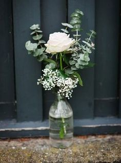 Simple, relaxed wedding decor is a huge trend for this generation, whether it be boho chic or urban minimalism.: