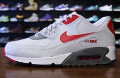 Nike Air Max 90 Essential Grey & Uni Red