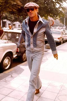 From Butch Cassidy and the Sundance Kid to All The President's Men, Robert Redford looked good in just about anything. Here are his best and preppiest looks Robert Redford, Double Denim Fashion, Steve Mcqueen Style, Sundance Kid, Canadian Tuxedo, Amy, Old Hollywood Movies, Denim Trends, White T