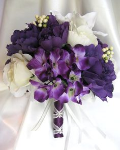 Wedding bouquet Bridal Silk flowers PURPLE IVORY CREAM LILY 10pc