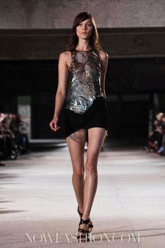 Anthony Vaccarello Ready To Wear Spring Summer 2013 Paris Live Fashion, Fashion Show, Runway Fashion, Latest Fashion, Anthony Vaccarello, Paris Shows, Ready To Wear, Fashion Photography, Spring Summer