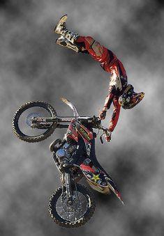 Freestyle motocross via Alberto Barrios Ducati, Motocross Maschinen, Moto Design, Bmw Design, Freestyle Motocross, Bmx Freestyle, Motocross Bikes, Extreme Motocross, Dirtbikes