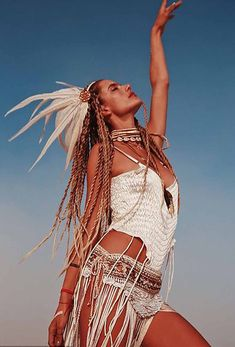 Alessandra Ambrosio flaunted her enviable physique and long braids at the Burning Man festival in Nevada over the weekend. Burning Man Style, Burning Man Outfits, Burning Man Mode, Burning Man Fashion, Music Festival Outfits, Festival Wear, Festival Fashion, Festival Clothing, Music Festivals
