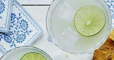 Den klassiske mexicanske drink kombinerer tequila, likør og limesaft i en lækker og forfriskende cocktail. Se her, hvordan du laver den lækre drink. Honeydew, Tequila, Margarita, Cocktails, Drink, Fruit, Food, Alcohol, Craft Cocktails