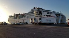 WHATABUS-Blogbeitrag über die Fährfahrt von Spanien auf die Kanarischen Inseln, Huelva - Arrecife. Details zur Fähre, Hafen, Check-in etc.