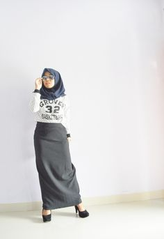 Hijab Outfit Monochrome Style
