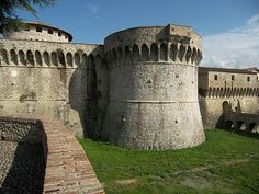 http://www.cepolina.com/photo/Europe/Italy/Liguria/Sarzana/Firmafede-citadel/2/Sarzana-citadel-fortress.jpg