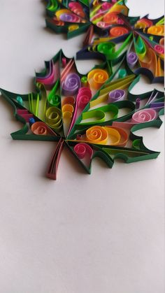 Quilling Paper Craft, Paper Crafts, Diy Crafts, Dorm Room Art, Father Birthday Cards, Diy Best Friend Gifts, Autumn Crafts, Unusual Art, Mandala Painting