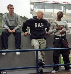 Roy Keane, Jaap Stam and Andy Cole visit the Jerez in 2001
