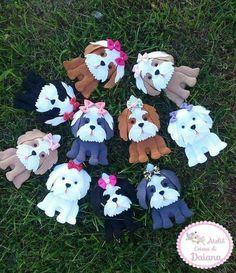 Toys made of felt. Schemes and patterns of felt toys for beginners Felt Christmas Ornaments, Dog Ornaments, Dog Crafts, Felt Crafts, Felt Dogs, Felt Patterns, Felt Applique, Dog Pattern, Stuffed Animal Patterns