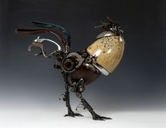 'Steampunk animal sculptures' by James Corbett (Car Parts Rooster) Chat Steampunk, Steampunk Kunst, Style Steampunk, Steampunk Fashion, Steampunk Bird, Steampunk Design, Junk Art, Louise Bourgeois, Car Part Art