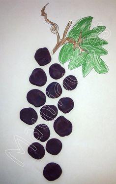 Mauriquices: Pisa as uvas com as mãos!