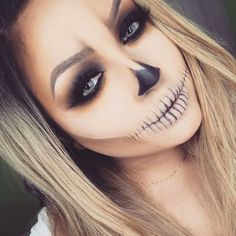 Halloween Makeup is some of the most incredible makeup ideas we have ever come across. Today we have 31 of the most incredible halloween makeup ideas that we could get our hands on and these are just astonishing. Girl Halloween Makeup, Halloween Kostüm, Halloween Costumes, Makeup Ads, Scary Makeup, Makeup Designs, Gorgeous Makeup, Amazing Makeup, Girls Makeup