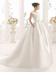 Satin ballgown wedding dress | Ciara by Aire Barcelona
