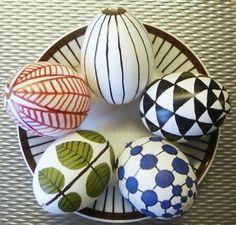 scandinavian-egg-decorating-easter