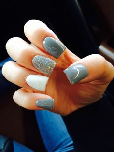 Acrylic nails Grey, white, sparkles