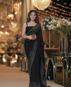 Simple Pakistani Dresses, Indian Gowns Dresses, Indian Fashion Dresses, Indian Designer Outfits, Formal Dresses, Indian Wedding Outfits, Bridal Outfits, Saree Wearing Styles, Saree Designs Party Wear