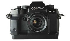 A highly advanced electronic SLR camera loved by many up to the present, the Contax RTS III was introduced by Yashica/Kyocera in 1990. While the last in the Contax RTS series, this 35mm SLR camera introduced many new features and boasted of a reputation as one of the best manual focus SLR cameras throughout the 90s.