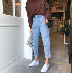 Look Fashion, 90s Fashion, Fashion Outfits, Jeans Fashion, Fashion Ideas, Fashion Clothes, Fashion Vintage, K Fashion Casual, Trousers Fashion