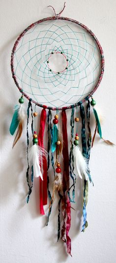 I would love to do this, but a little bit more like a Christmas wreath :) HIPPIE CHRISTMAS!