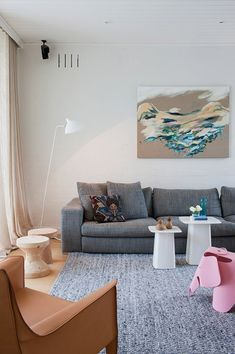 Easily the most beautifully styled home with a perfect pallet of crisp white walls, blonde floors and pastel furniture. Media Room Design, Family Room Design, Eames, Pastel Furniture, Contemporary Family Rooms, Pastel Interior, Melbourne House, Living Room Interior, Living Rooms
