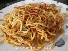 No soy un blog de cocina: prueba lo fácil y ricos que están estos ESPAGUETTIS FRITOS CON SALSA DE SOJA