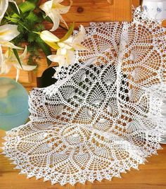 My Hobbies I Love Crochet: 50 Models folder, tablecloths, cushions and rugs on Free crochet! Crochet Stitches Patterns, Crochet Chart, Filet Crochet, Crochet Motif, Crochet Doilies, Crochet Fabric, Crochet Books, Crochet Home, Thread Crochet