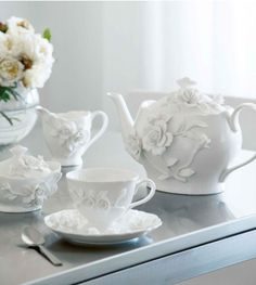 """Rambling Rose Tea Set""... Something exactly like this is available at Teavana, just more square-like."