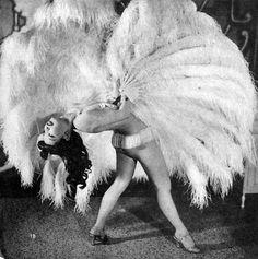1940s Burleque Dancer. Amazing.