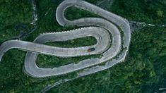 11.3km Tianmen Mountain 'Dragon' Road
