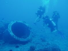 Hawaii scuba diving shipwreck -18 by RainbowScuba.com, via Flickr